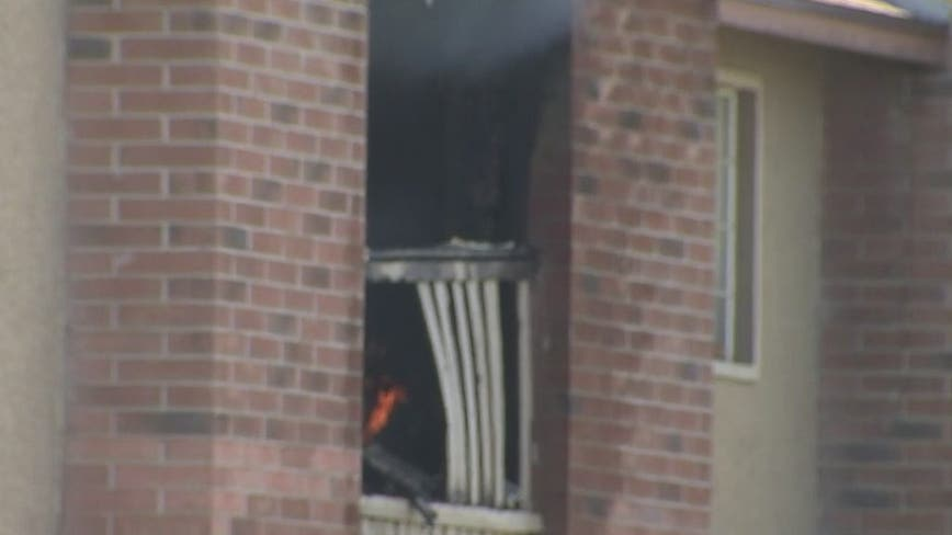 Fire at north Phoenix apartment complex turns deadly