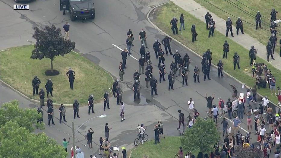 wjbk-detroit-police-071020.jpg