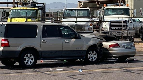 Phoenix police officer, 3 children injured in crash