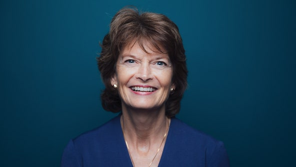 Sen. Lisa Murkowski backs Barrett despite opposing voting before presidential elections