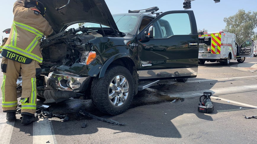 Seven people, including four children, injured in Mesa car crash