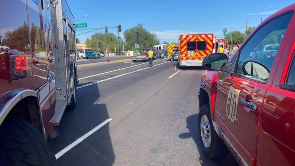 6 hospitalized, including child, after multi-vehicle crash at Phoenix intersection