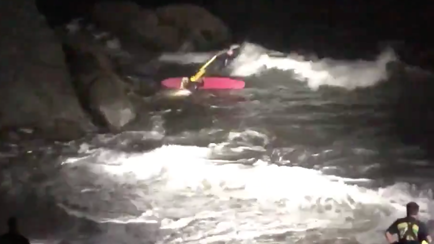 VIDEO: San Francisco firefighters rescue person trapped on rocks in Presdio