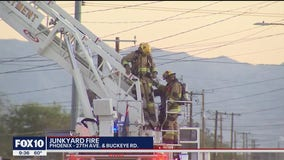 Junkyard fire breaks out in Phoenix, multiple cars burned