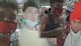 Phoenix Police searching for suspects in gas station robbery