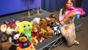 6-year-old girl donates plushies to Phoenix PD for kids going through tough times