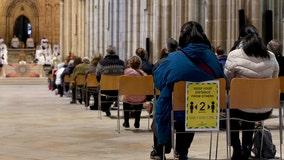 A pandemic Christmas: Churches and borders shut
