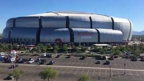 24 hour COVID-19 vaccination site opens at State Farm Stadium in Glendale