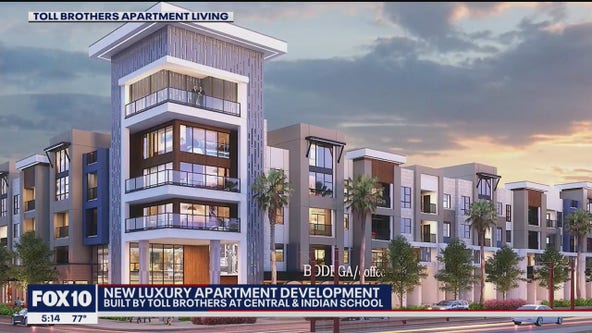 Parking lot site along light rail track in Phoenix to be turned into apartment complex
