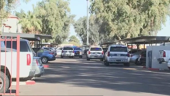 Police searching for suspect in deadly west Phoenix apartment shooting