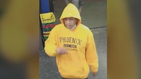 Phoenix PD looking for robbery suspect who allegedly hit store clerk with liquor bottle