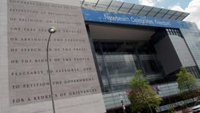 Former Newseum's iconic 'First-Amendment Tablet' heading to Philadelphia
