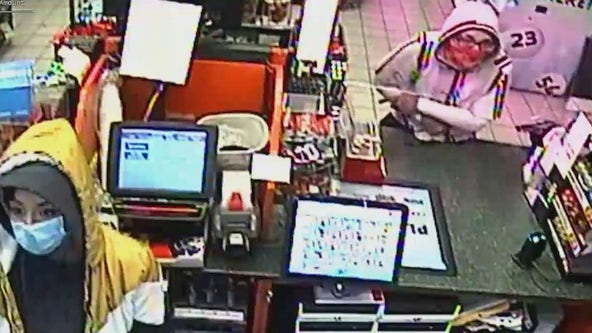 Phoenix PD searching for suspects in Valentine's Day convenience store robbery