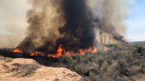 Wildfire burns over 2,100 acres along Gila River near I-8 and Dateland