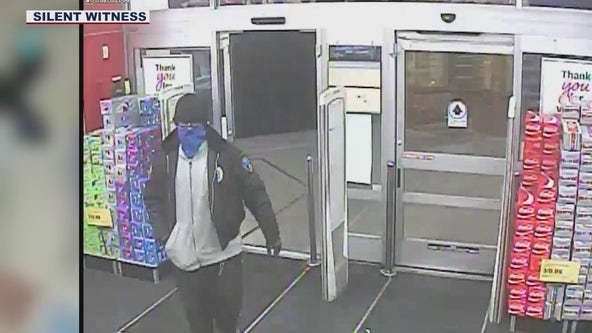 Phoenix PD: Suspect demands clerk remove security device from toothbrush