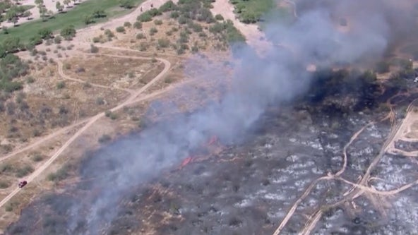Firefighters battle 30-acre brush fire in North Phoenix