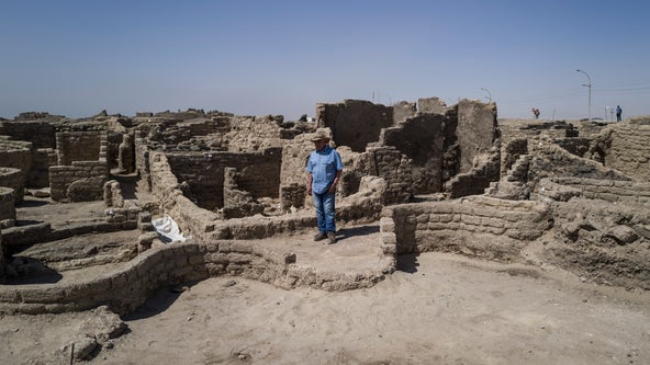 Famed Egyptian archaeologist reveals new details about lost city