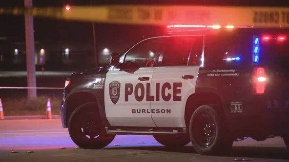Police search for suspects who shot officer near Burleson High School