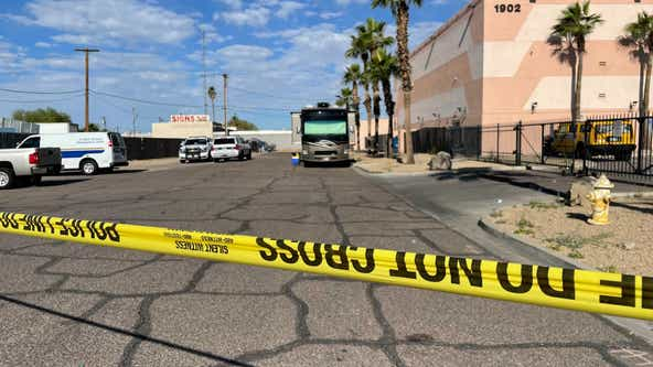 PD: 2 men shot while leaving Phoenix strip club