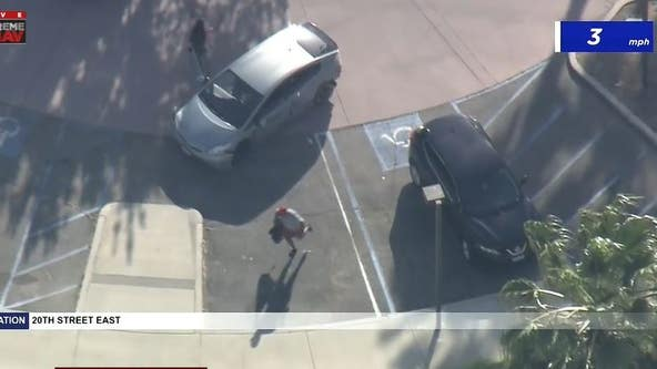 Pursuit suspect in standoff with deputies in Palmdale