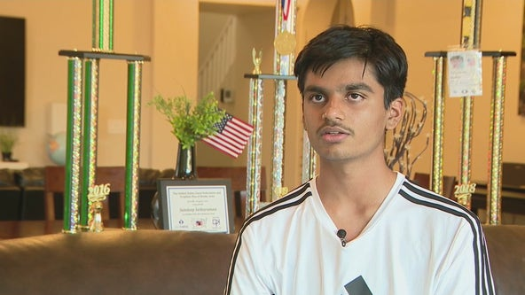 Chandler teen starts website to share passion of chess with others