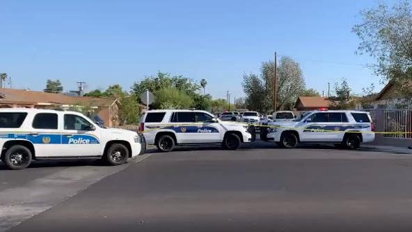 Man found dead in car near 20th Avenue and Missouri in Phoenix
