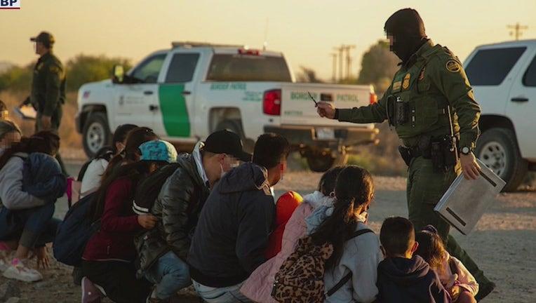 Border Patrol agents arrest dozens of migrants crossing the border into Yuma