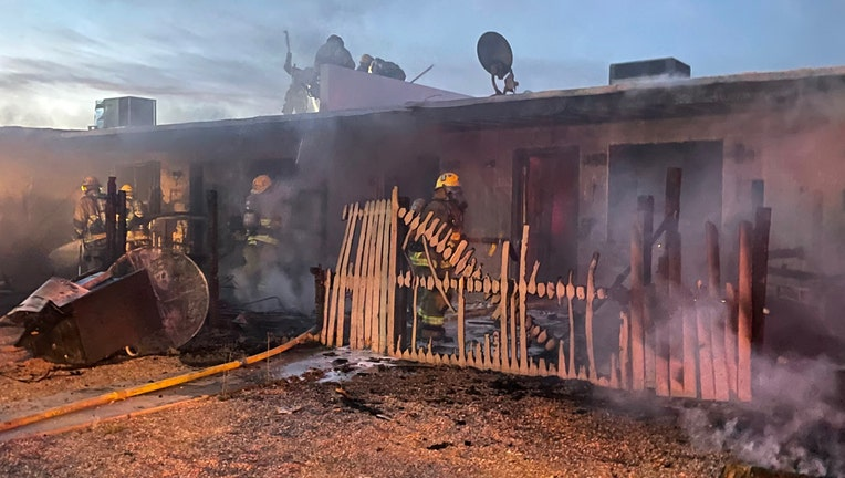 Apartment damaged in south Phoenix fire