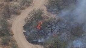 Brush fire in North Phoenix prompted freeway closure