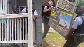 Chicago officers surprise kids with new basketball hoop after seeing them play with milk crate