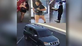 Phoenix police search for suspects in armed shoe store robbery