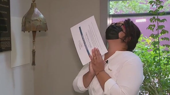 Arizona woman celebrates after beating breast cancer