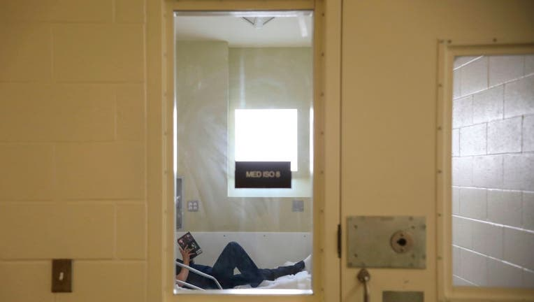 a4d5968f-US-HEALTH-VIRUS-PRISON