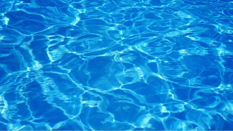 Swimming pool (file)