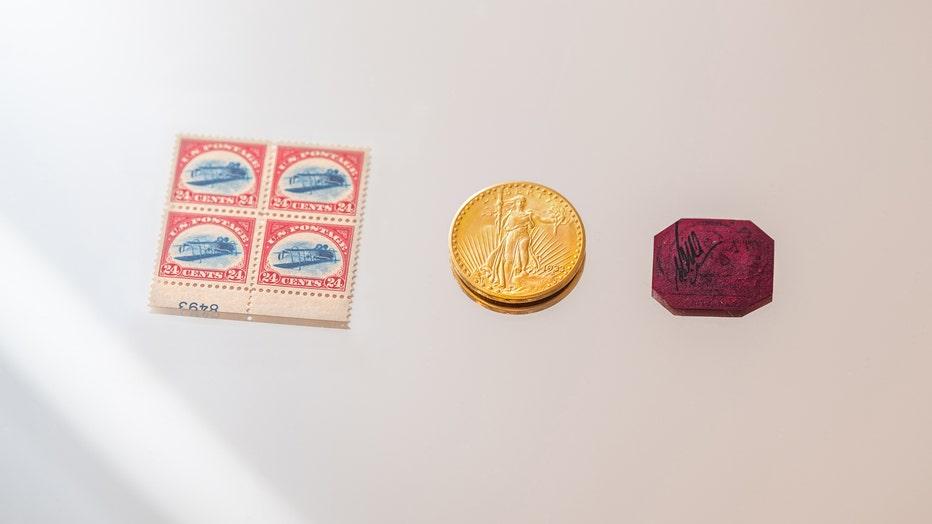 10398 Three Treasures, Collected by Stuart Weitzman