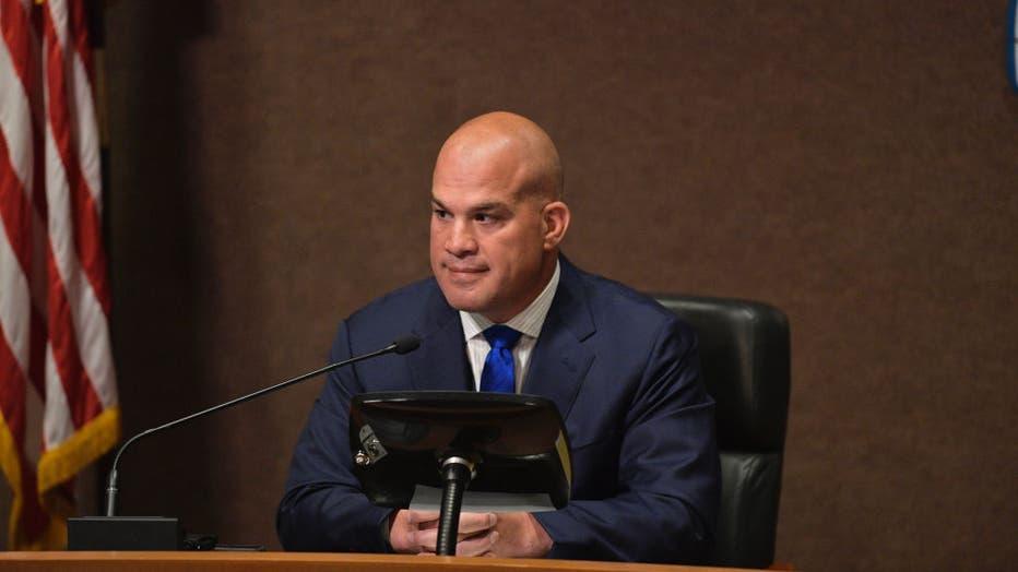 Tito Ortiz resigns Huntington Beach City Council