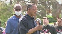 Jesse Jackson among 39 arrested for sit-in at Sinema office