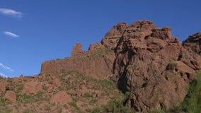 Missing hiker found dead on edge of Camelback Mountain