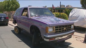 Suns-mobile: Phoenix Suns fan has painted lowrider from 1993 playoffs
