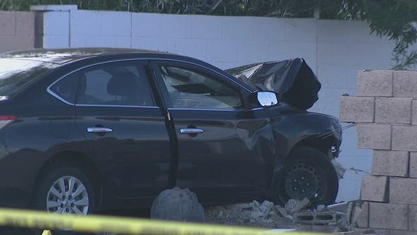 PD: Driver killed after rear-ending minivan at West Phoenix intersection