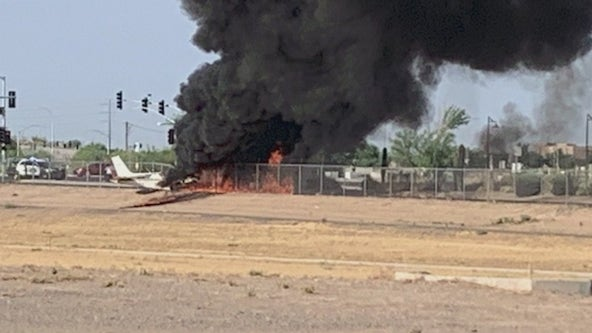 4 hurt after small plane crashes at Chandler Airport