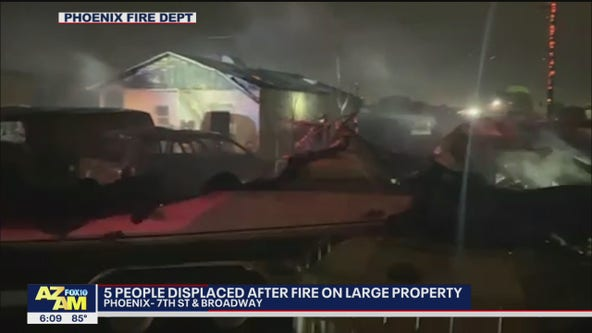 5 people displaced after large Phoenix house fire