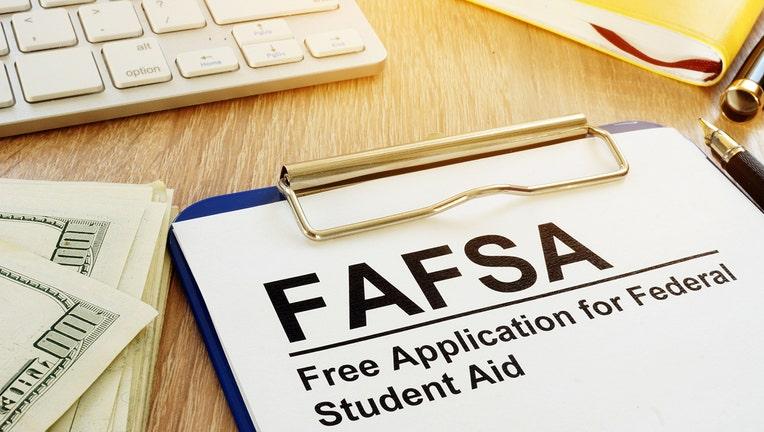 Credible-Applying-To-FAFSA-.jpg