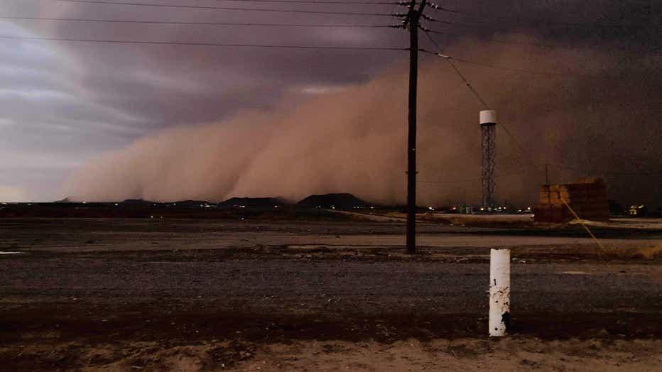 Dust storm in Casa Grande. Courtesy of Francisco Mendoza Lopez