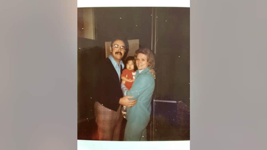 liz-jackson-with-parents.jpg