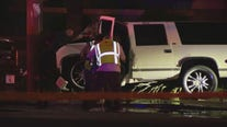 SUV crashes into power pole, knocks out power to 1,500 APS customers in Phoenix