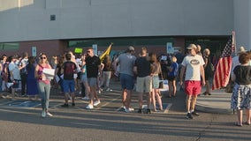 Amid anti-mask mandate protest, Scottsdale Unified board members hold modified meeting