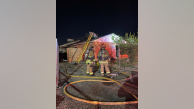 Family safely escapes Phoenix house fire with heavy flames and smoke
