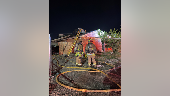 Family safely escapes Phoenix housefire with heavy flames and smoke