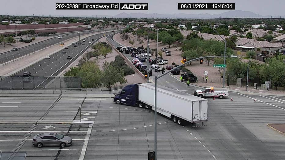 Mesa Police situation at Loop-202 and Broadway Road on Aug. 31. Photo courtesy of ADOT